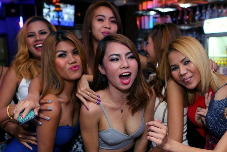 Mongering in Bangkok with Hot Thai Girls