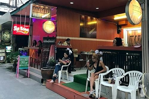 Wood Bar BJ Bar in Bangkok