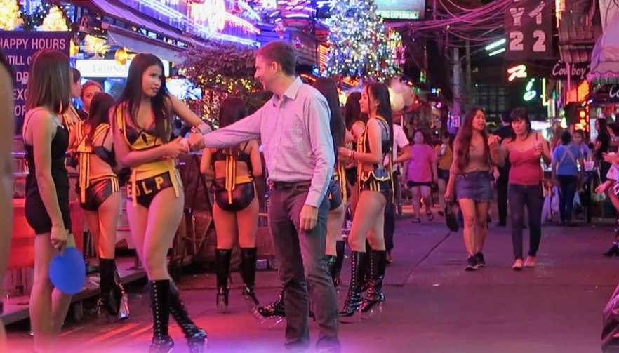 Girls at Soi Cowboy Seducing Mongers