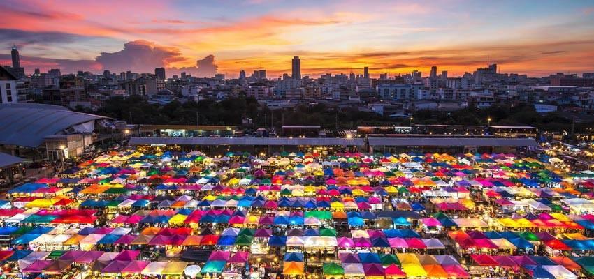 Talad Rot Fai 1 Srinakarin Train Night Markets In Bangkok