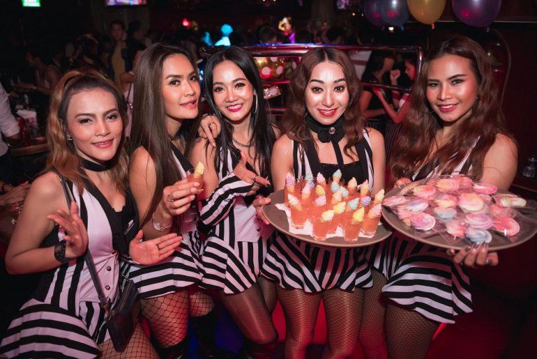 Freelancer Girl in Bangkok